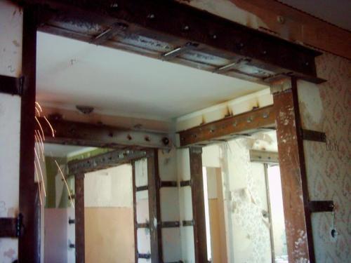 usilenie nesushchih konstrukciy sten zdaniy ukreplenie proemov i izgotovlenie lestnic iz metalla 1